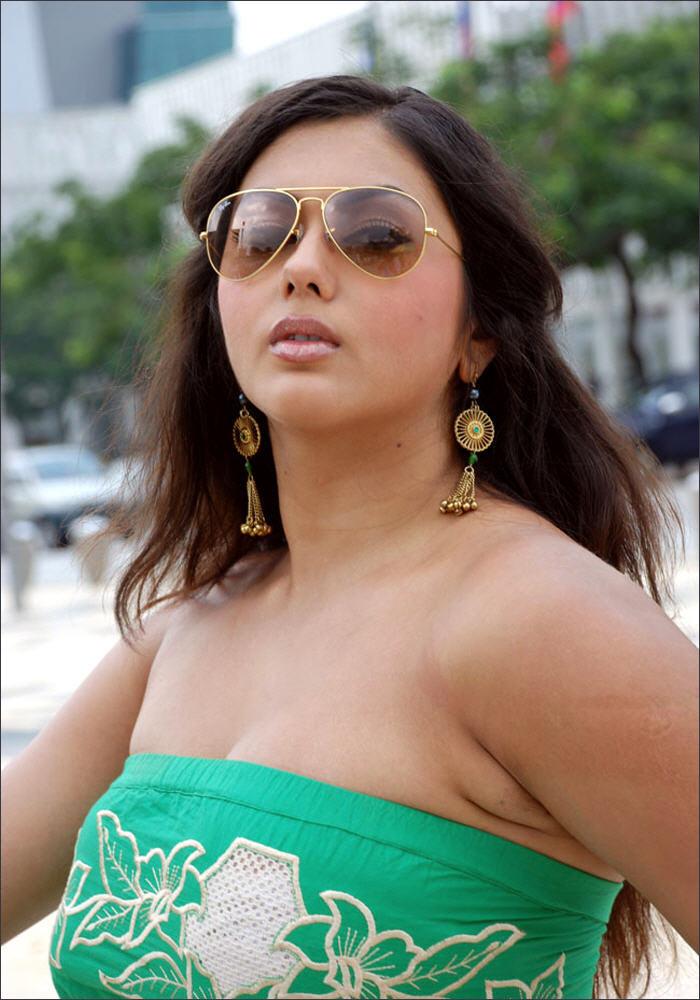 hot namitha masala tempting in bikini very spicy pics