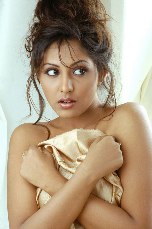 hot latest images of madhu shalini hot mallu masala actress