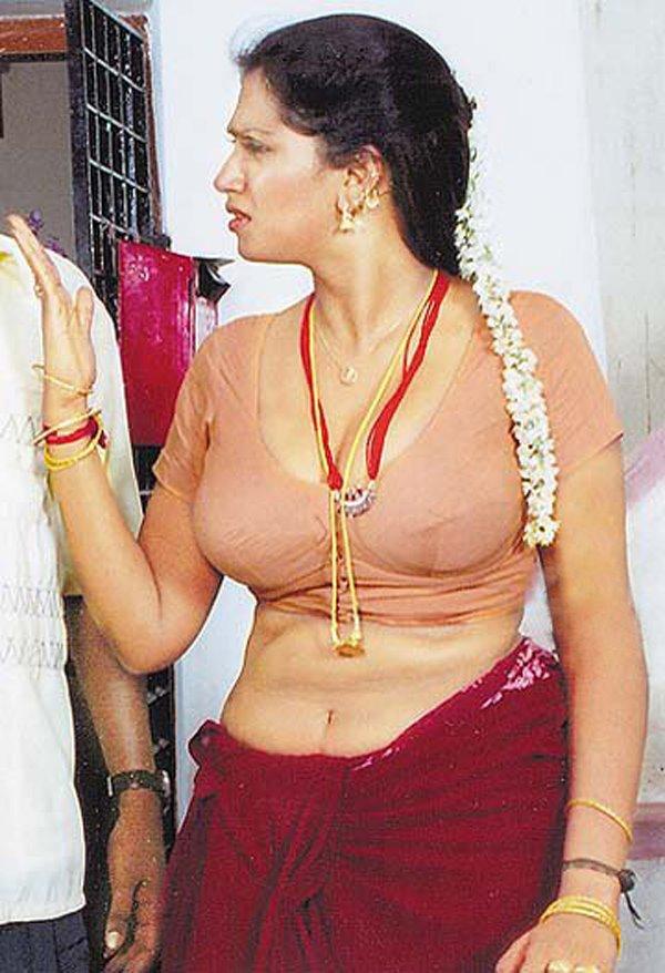 Hot Eposing Pic Of Masala Telugu Aunty Bhuvaneswari
