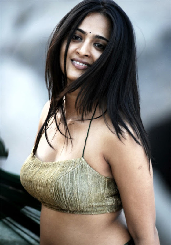 hot n latest images of anushka