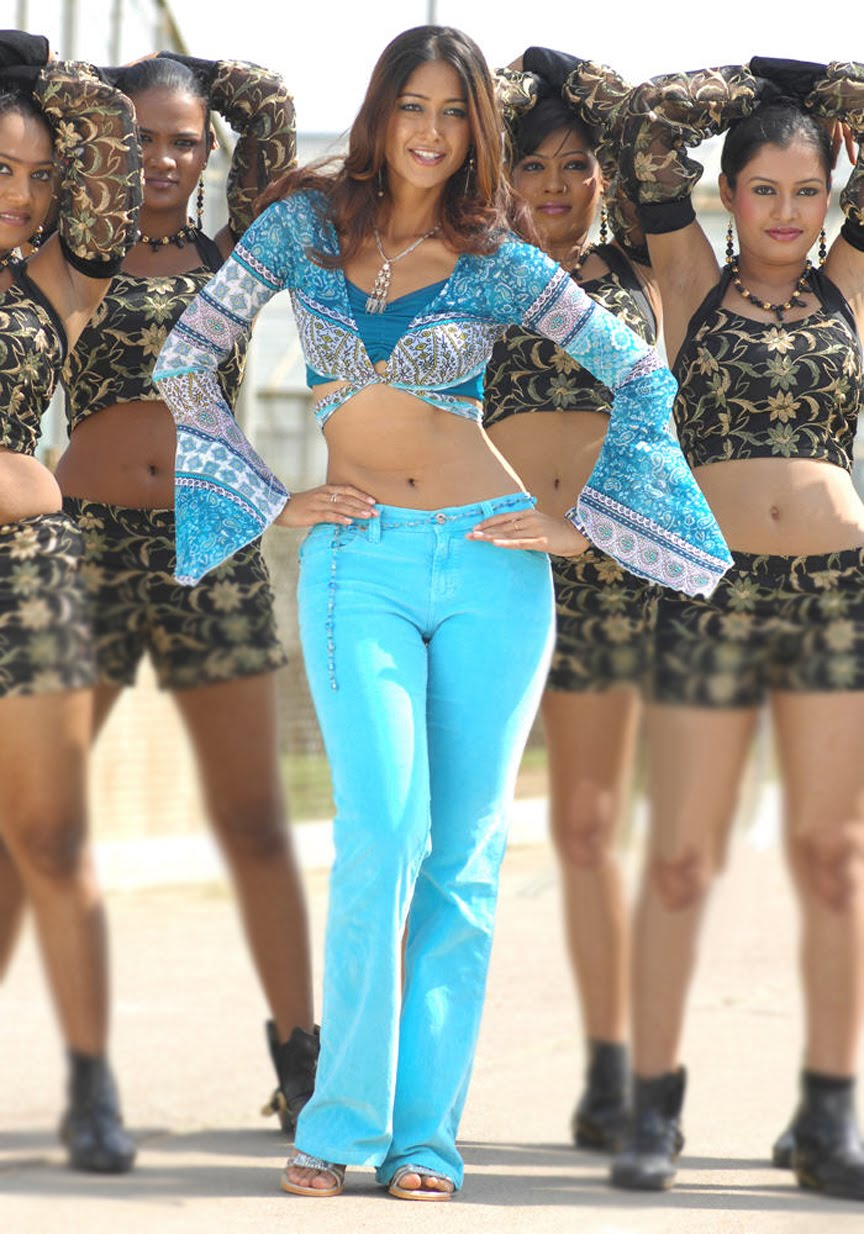 Hot South Indian Curvy Actress Ileana Pic In Blue Jeans