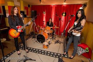 banda de rock feminino Stella Can