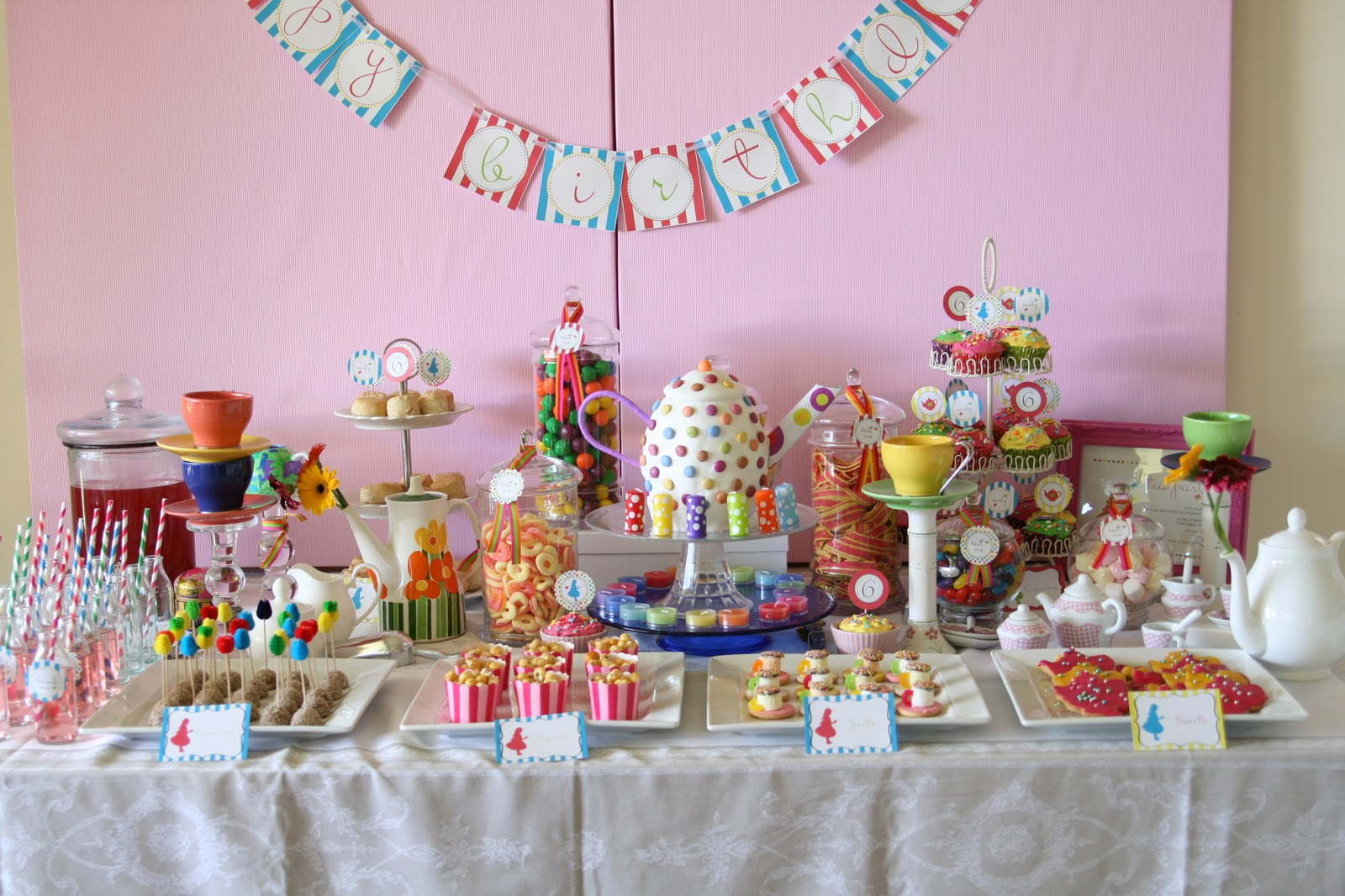 Ohmigosh design blog tea parties and tutus - Mad hatter tea party decoration ideas ...