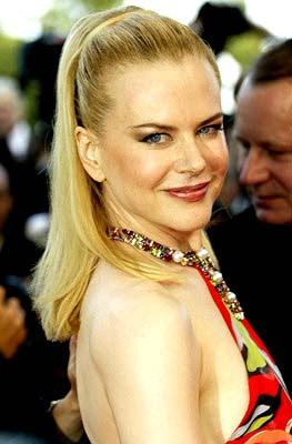 Nicole Kidman's questionable CMT Awards' dress - Celebrity Circuit