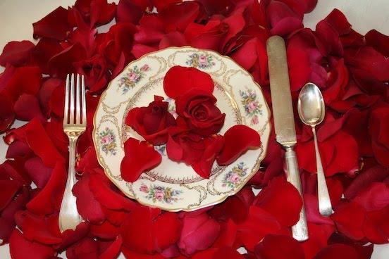 http://3.bp.blogspot.com/_s_4yGShl0sY/TGr9CqJUokI/AAAAAAAAC5U/9e3KkcFOn0M/s1600/Rose+Plate.jpg