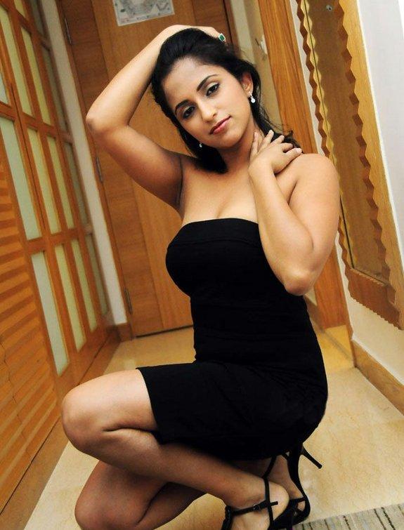 [Aasheekaa-latest-hot-pics-01.jpg]