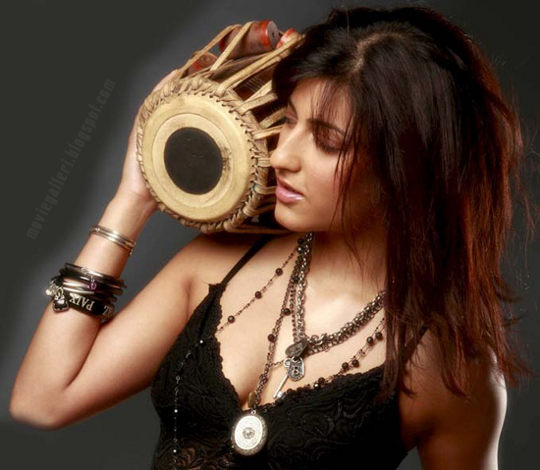 [Shruti-Haasan-Stills-04.jpg]