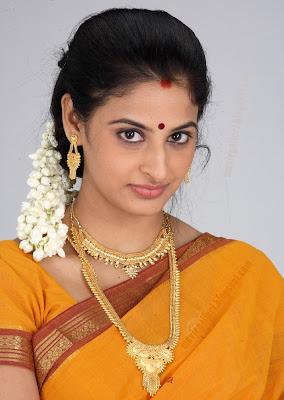 http://3.bp.blogspot.com/_sb9yp2CsJVU/SpYf7Iw-dbI/AAAAAAAAGWA/--14AOwDLeA/s400/actress_yamini_sharma_hot_sexy_stills_04.jpg