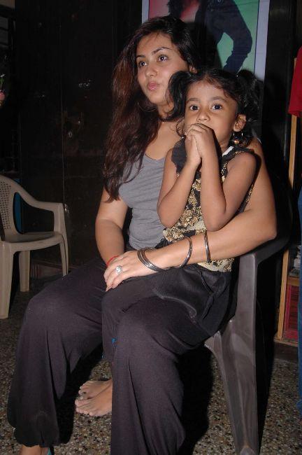 [Namitha+Meets+India+Childrens+Welfare+Association+1.jpg]