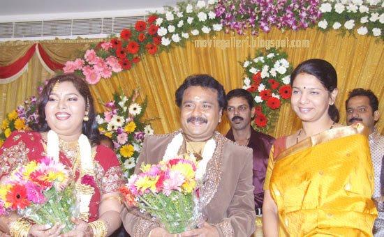 [Kanimozhi-wishes-Ganesh-Aarthi-wedding-Reception-stills.jpg]