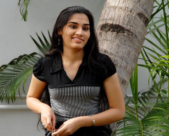 [Siva-Sivaa-tamil-Movie-Actress-Suhani-stills-photo-gallery-03.jpg]