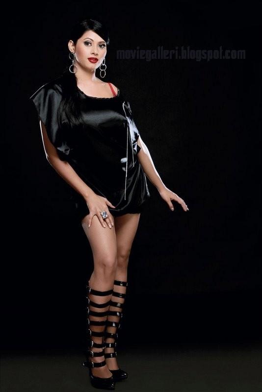 [Rishika-Latest-hot-sexy-Stills-Pics-Photo-Gallery-Wallpapers-Images-10.jpg]