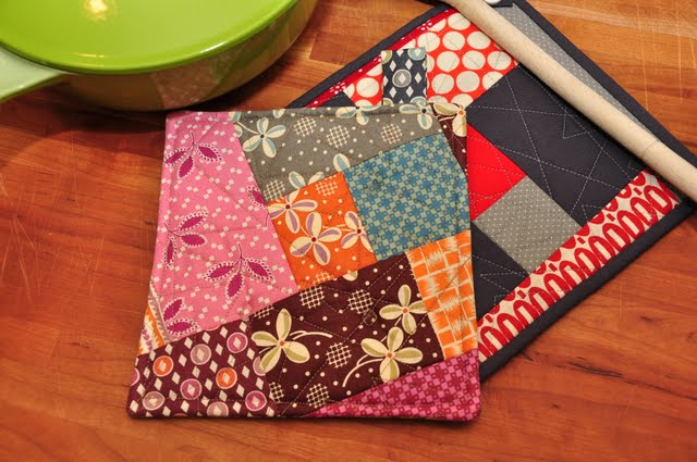 Texas Freckles: Quick and Easy QAYG Scrappy Potholder :: A Tutorial : quilted potholders tutorials - Adamdwight.com