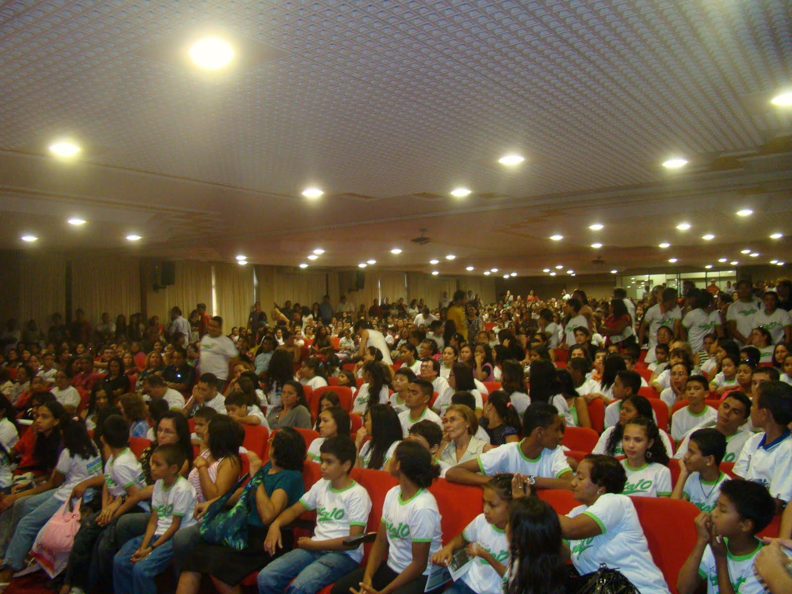 Reuniões e raízes de 2010