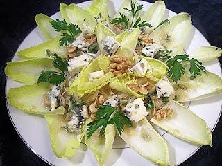 Salade d'endives au roquefort