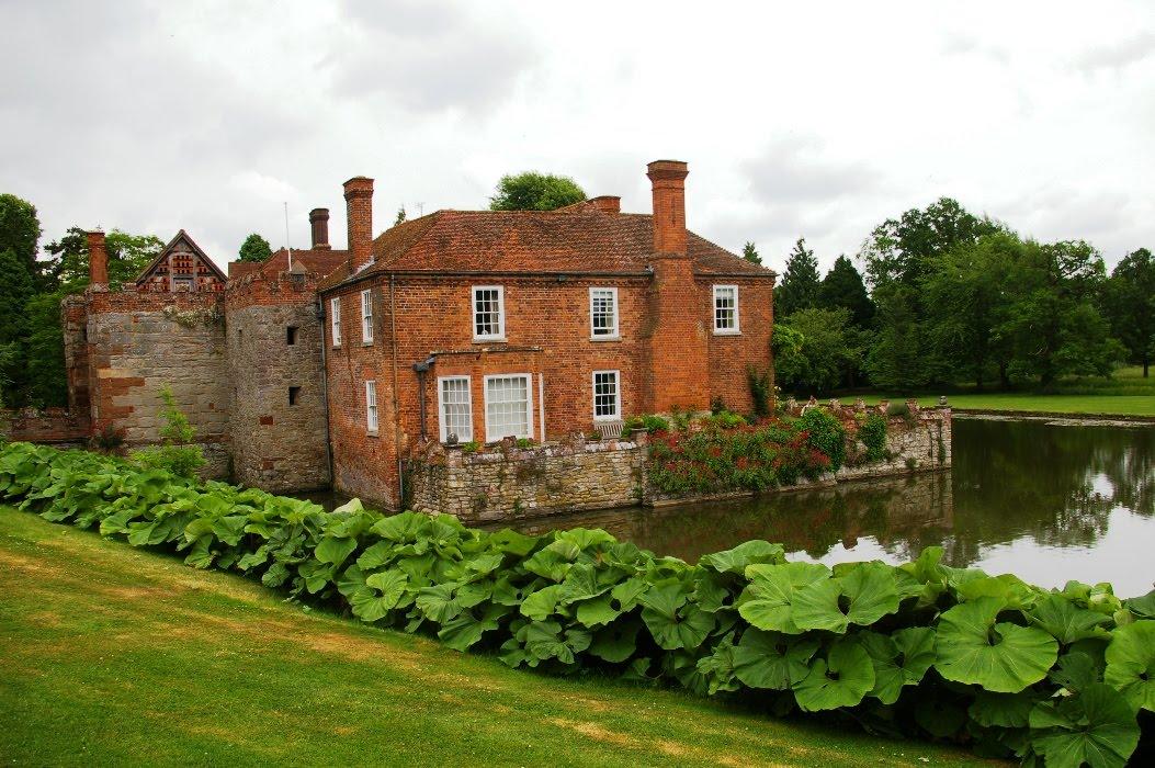 John Grimshaws Garden Diary A Moated Grange