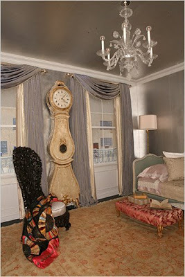 v i s u a l * v a m p *: Gloria Vanderbilt Turns Back Time Banquette Gloria on