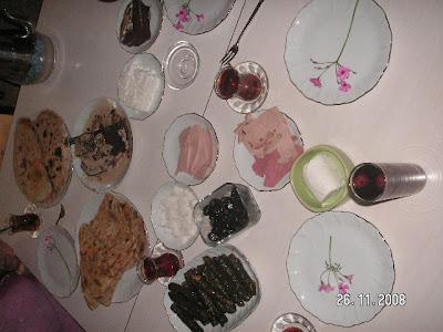 Nilgün'ün Ani Baskın Kahvaltı Sofrası :)