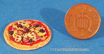 Emmaflam and Miniman - Paris Miniatures - Handmade miniature pizza