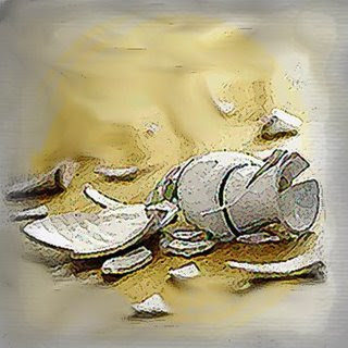 http://3.bp.blogspot.com/_siFpJ8hcoEE/SK4ubvqoSpI/AAAAAAAAAbw/7o7J3c5ERwA/s320/vaso_quebrado_2.jpg