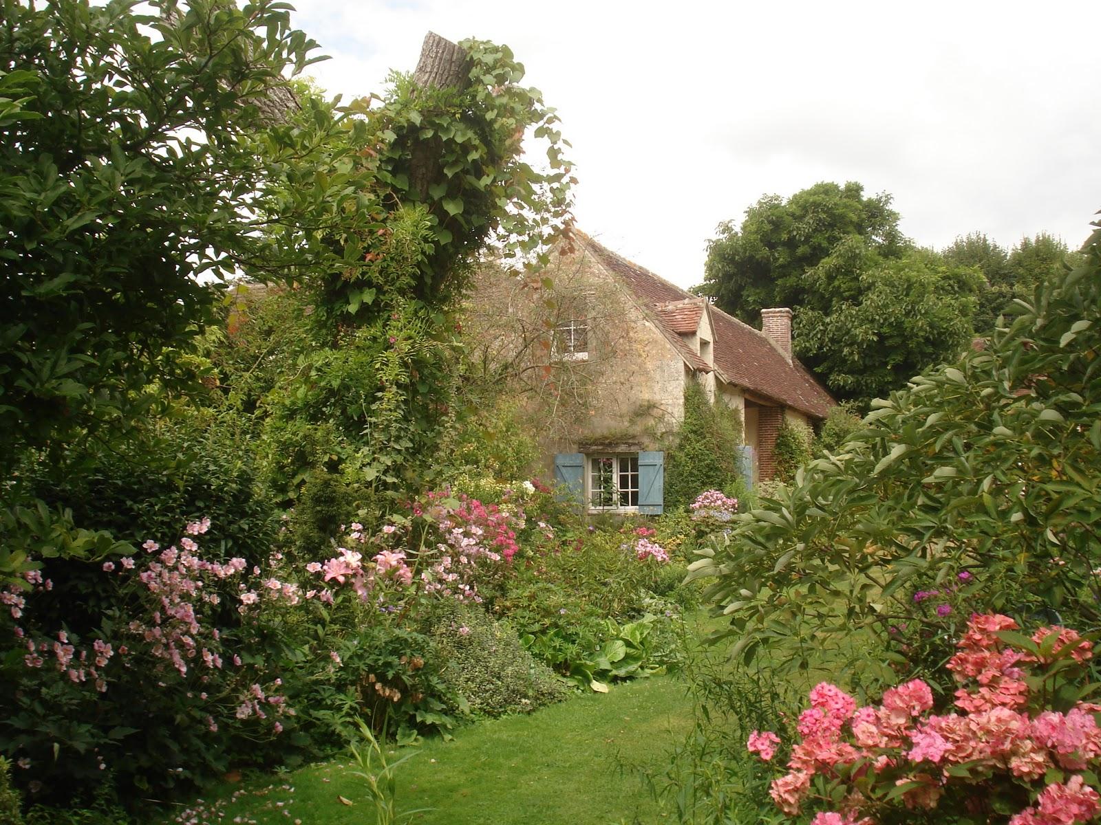 Thursday 39 s child jardin de la petite rochelle of muses - Petit jardin zen interieur la rochelle ...