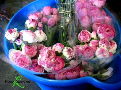Kuga designs my pink and chartruese weddingpart one the set up the roses were to die for ecuadorian roses called esperance are just a ridiculous species they open up pink and green and are tinged on the edge in hot mightylinksfo Choice Image
