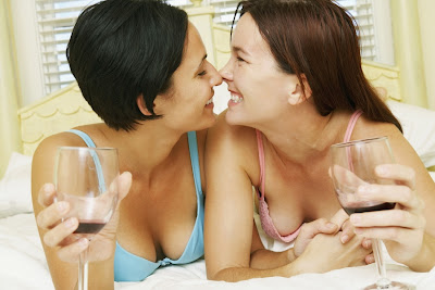 Sexy Lesbians Women Dating Services