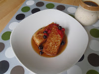 Fried porridge with berries and maple syrup: delicious