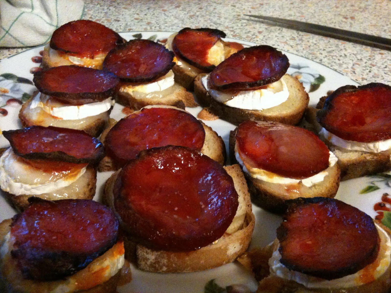 Chorizo sur lit de ch vre chaud en toast recette de cuisine aurore le petit poussin - Idee toast apero dinatoire ...