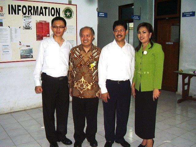 Di Acara Pelantikan Rektor, 25 Maret 08