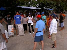 Acara Bersih Pantai Bunaken