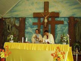 Misa dipimpin oleh Pst Bertje Rorimpandey