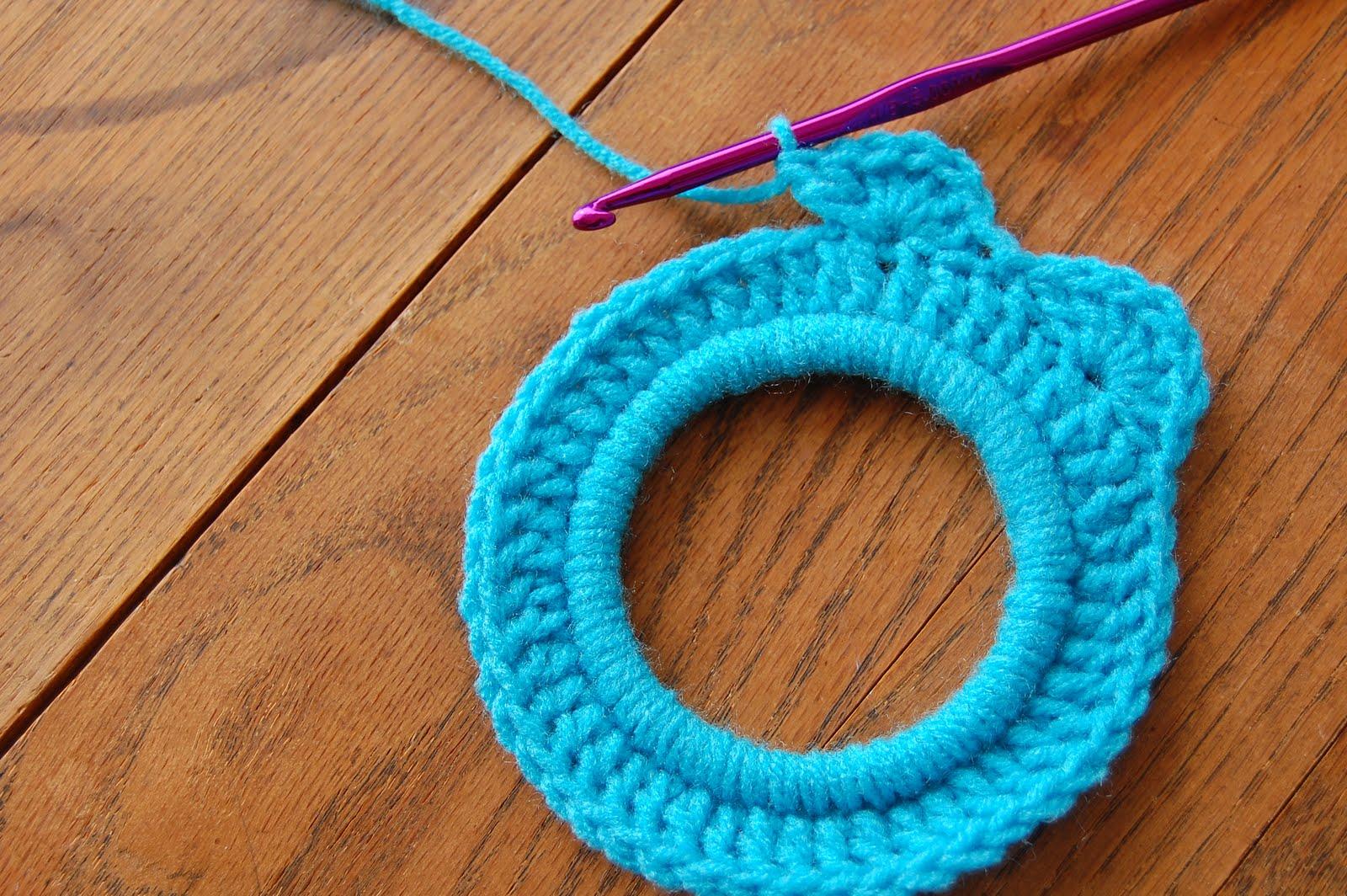 Crochet Stitch Rings Of Love : ... Nova - Whatever Lola Wants: Mary Go Round crochet flower ring tutorial