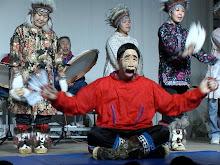 نقاب گذاشتن بر روی صورت یکی از سنت های قدیمی رقص اسکیموهاست