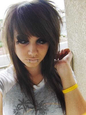 emo hairstyles for girls with medium hair and bangs. Girls With Medium Hair.a