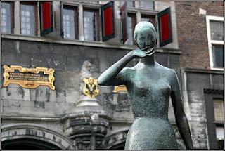 Estatua Mariken van Nieumeghen. From Google