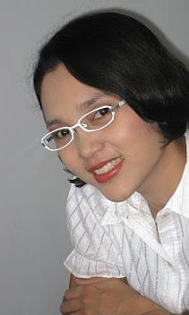 Dr.Riah Yunindawati, DDS
