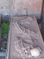 Pompeii Skeletons  reveal Roman families in picture pic photo image gallery in nature phenomena blog