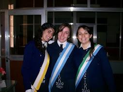 Las abanderadas del Colegio Itatí