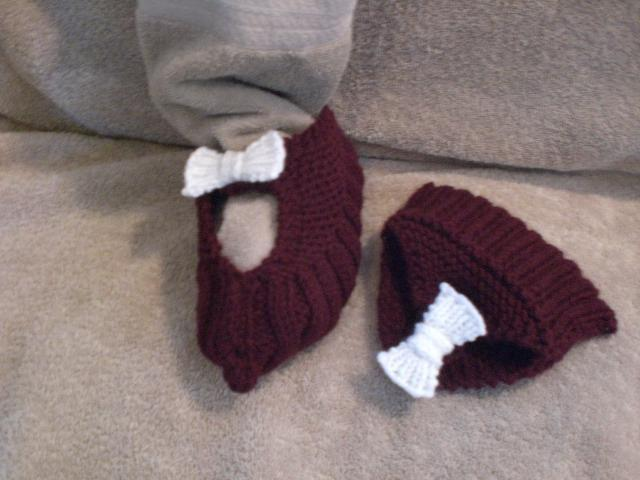 Knitting Up The Road: Knitting Small Stuff