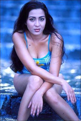 Sexy Devi Permatasari image 3