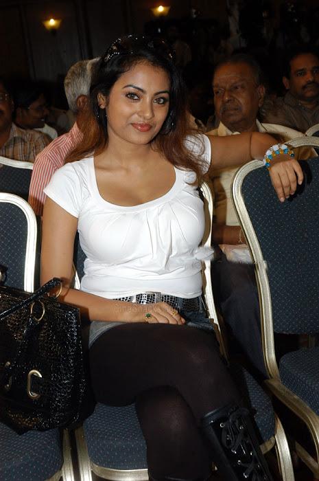 meenakshi actress pics