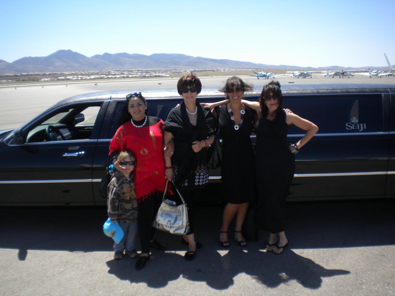 http://3.bp.blogspot.com/_sxv7OOI_sKY/S_tV4Nudn0I/AAAAAAAAAqY/aVv8n5PbZ98/s1600/5-22-2010+Cher+in+Vegas+284.JPG