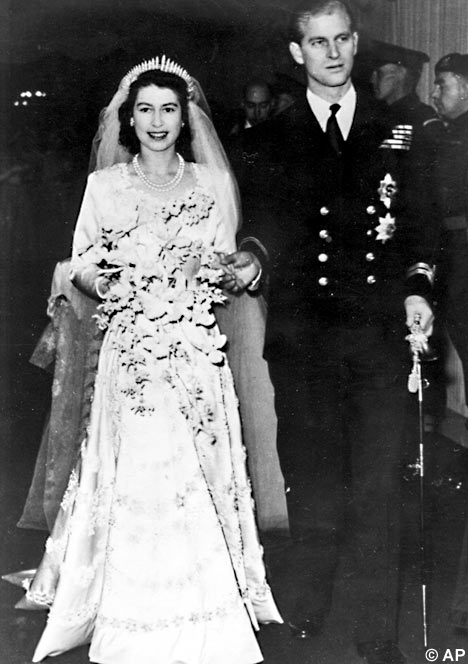 pictures of royal wedding dresses. Big E#39;s 1940s Wedding Gown.