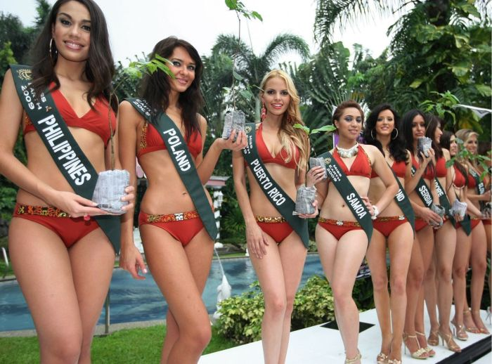 [Miss_Earth_2009_Protecting_Mother_Earth_in_a_Swimsuit_7.jpg]