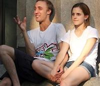 Emma Watson é flagrada com o namorado na Brown University