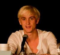 Tom Felton visitará 'O Mundo Mágico de Harry Potter' na semana que vem