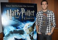Matthew Lewis comparece ao lançamento de 'Harry Potter: A Exibição' em Boston