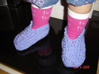 Knitting Easy Slippers : Children s knitted slippers knit animal