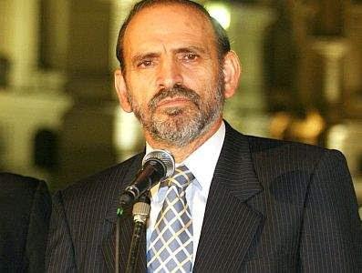 Yehude Simon ahora respalda al ministro Hernani